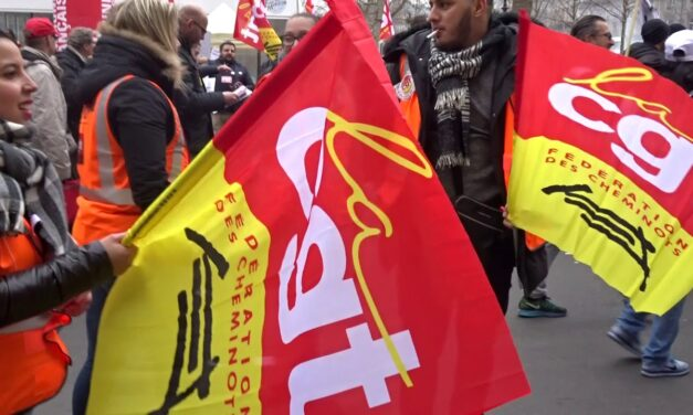 French railway workers prepare for decisive struggle