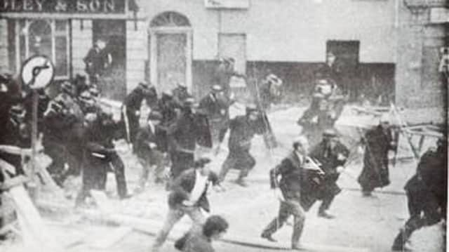 RUC and loyalists charge into nationalists at Battle of the Bogside, Derry 1969